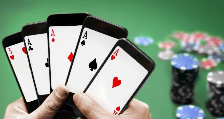 Una combinazione a poker